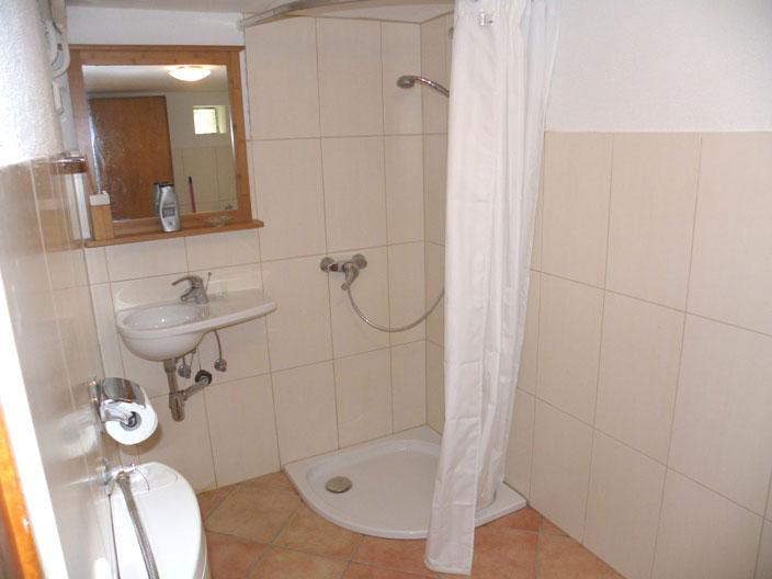 Badezimmer Appartement im Souterain